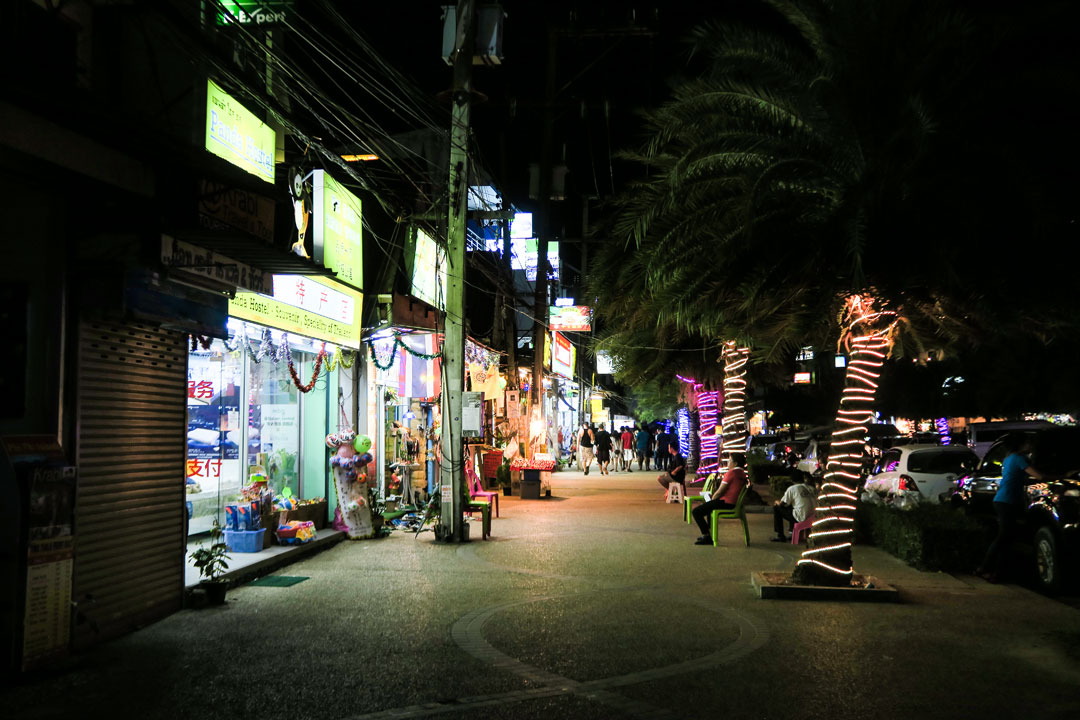 Ao-nang-by-night